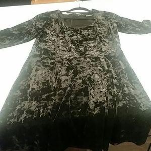 Black crushed velvet 3/4 sleeve dress